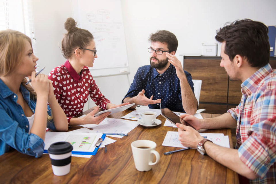 Conheça as vantagens de terceirizar o marketing digital